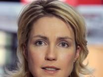Schlecker Arbeitsministerin Ursula von der Leyen: Manuela Schwesig, die Sozialministerin von Mecklenburg-Vorpommern und stellvertretende SPD-Chefin