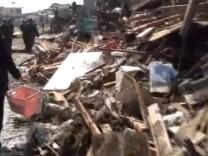 YouTube Japan Erdbeben Trümmer
