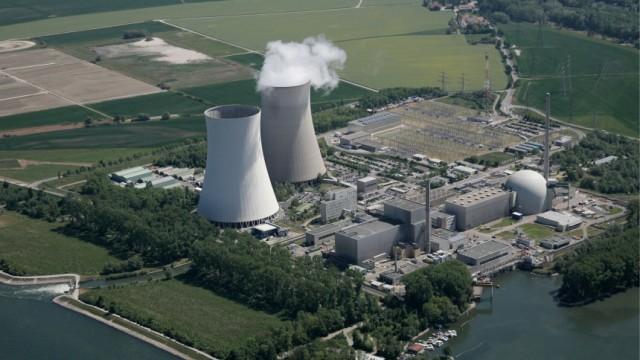 Kernkraftwerke Neckarwestheim und Philippsburg muessen vom Netz