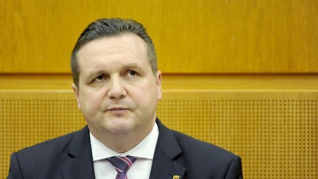 Plenarsitzung zu Energiepolitik nach Atomunglück in Japan