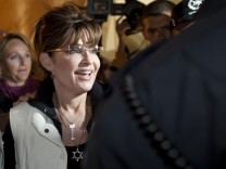 Sarah Palin Visits The Western Wall In Jerusalem