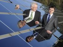 Nils Schmid und Winfried Kretschmann besuchen Solarpark