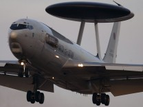 Kabinett beschliesst neues AWACS-Mandat