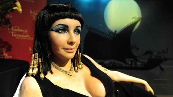 US actress Elizabeth Taylor as Cleopatra