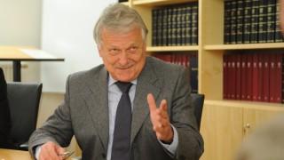 Landgericht Augsburg Streit um TV-Staatsanwalt