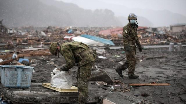 Atomkatastrophe in Japan Japan: Das Militär und die Aufräumarbeiten