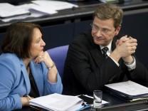 Leutheusser-Schnarrenberger stellt Westerwelles Position infrage