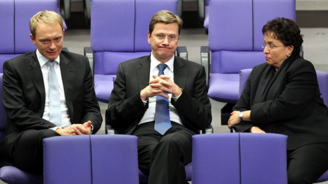 FDP-Generalsekretär der FDP, Christian Lindner (l-r), FDP-Chef und Bundesaußenminister Guido Westerwelle (FDP) und die Fraktionschefin Birgit Homburger