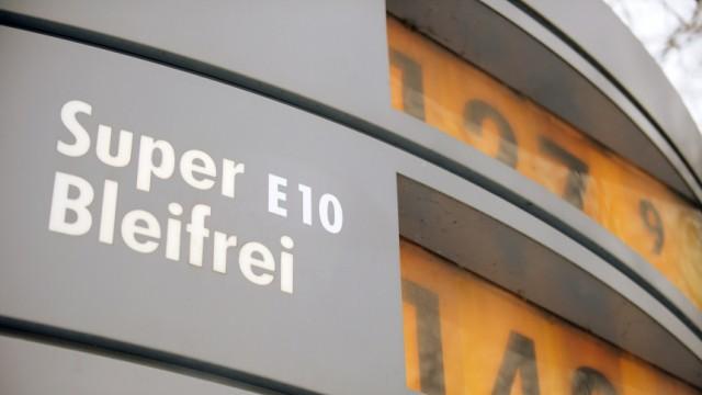 Shell bietet Versicherung gegen E10-Schaeden an