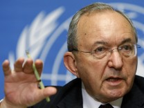 File picture shows Goldstone, head of U.N. Fact Finding Mission on Gaza, looks on during a news conference at U.N. European headquarters in Geneva