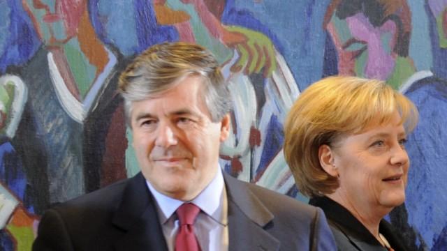 Merkels Abendessen für Ackermann vor Gericht