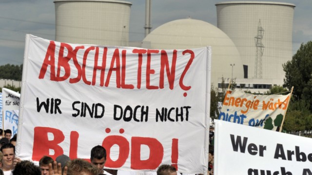 Berlin plant längere Laufzeit für Biblis-Meiler