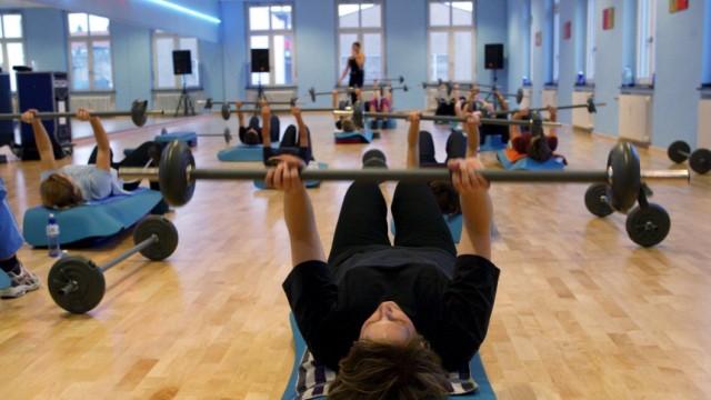 Themendienst Gesundheit & Wellness: Fitness fuer Frauen