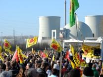 Atomkraftgegner demonstrieren in Biblis