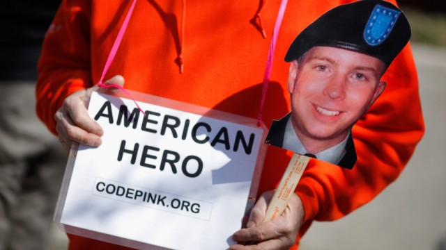 Supporters Of Army Pfc Bradley Manning Rally At State Department