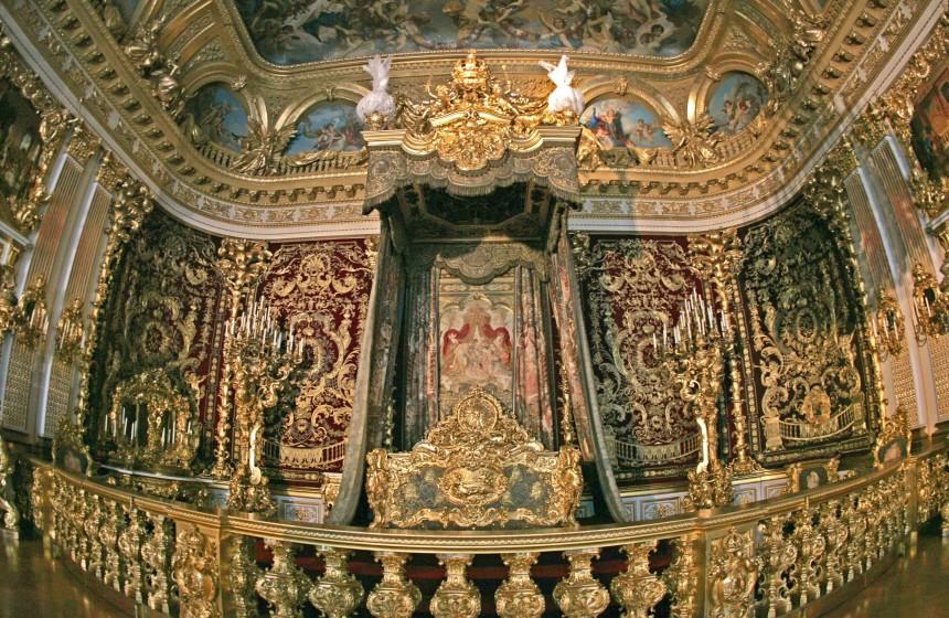 Schloss Herrenchiemsee - Ludwigs Drei-Millionen-Euro-Schlafzimmer ...