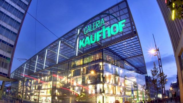 1b95a6aba37a60 Kaufhof-Chef Mandac im Gespräch -