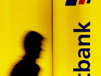 Deutsche Bank übernimmt Postbank-Mehrheit