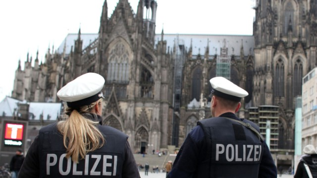 Bundespolizei patroulliert in Köln