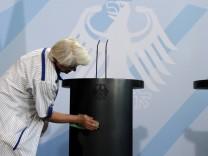 Putzfrau im Bundeskanzleramt