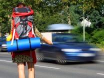 Gemeinsam auf Tour - Hohe Autokosten bewirken Boom bei Mitfahrbörsen