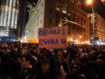 Crowds gather at Ground Zero