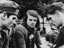 Hans Scholl, Sophie Scholl und Christoph Probst, 1942 | Hans Scholl, Sophie Scholl, and Christoph Probst, 1942