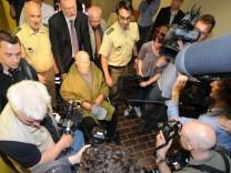 Demjanjuk zu fünf Jahren verurteilt