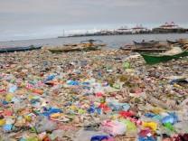 Polluted Manila Bay