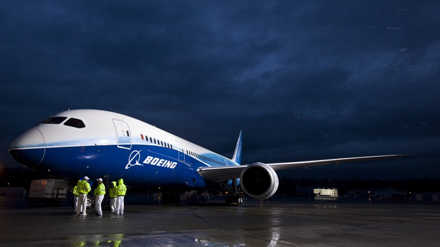 Boeing 787 Dreamliner Takes First Test Flight