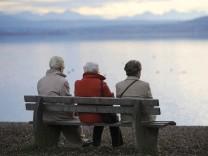 Kinderdienst:: Alte Menschen sollen nicht weniger Geld kriegen