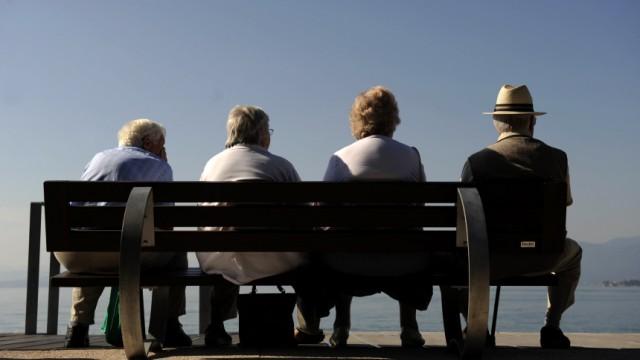 Wirtschaftsweisen fordern Einfuehrung der Rente mit 68 und spaeter mit 69