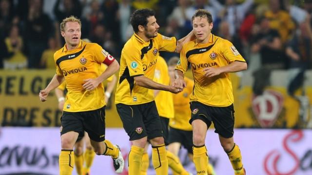 Dynamo Dresden v VfL Osnabrueck - 2. Bundesliga Playoff - Leg One