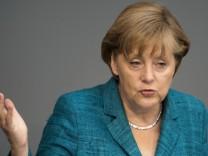 Merkel gibt Regierungserklaerung zu G8-Gipfel ab