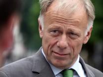 Juergen Trittin zum Wahlkampf in Bremen Nord
