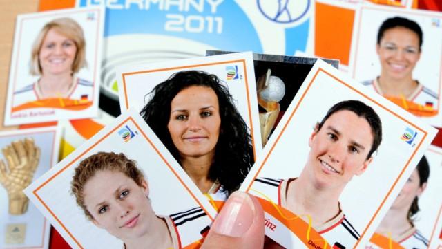 Panini Bilder erstmal für Frauen-Fußball