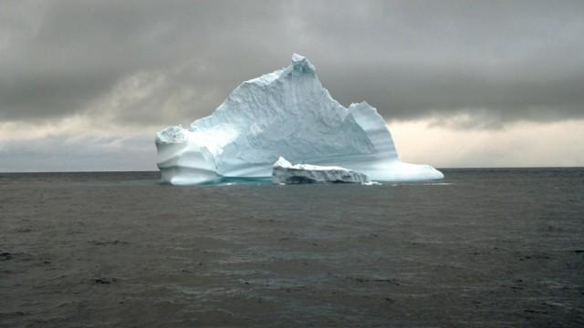 Studie - Eisfläche der Arktis schmilzt in Rekordtempo