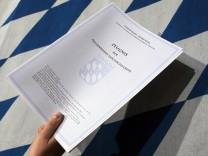 Gröbenzell: Abitur - Zeugnisausagabe im Viscardi-Gymnasium