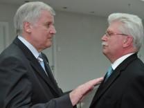 Zeil contra Seehofer: Brauchen ausländische Fachkräfte