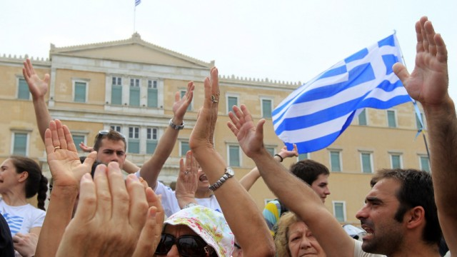 General strike in Greece against new heave austerity measures