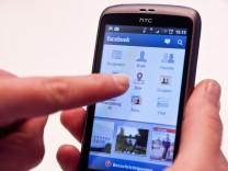 Facebook: Einsteiger-Tipps für die Weitersag-Maschine