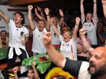 Kneipen und Unis bringen Frauen-WM auf die Leinwand