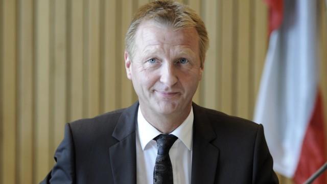 Innenminister Jaeger beim Innenausschuss wegen Parteispendenpraxis