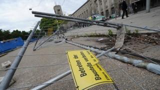 Polizei untersucht Baustelle nach Ausschreitungen