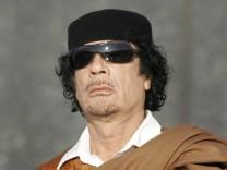 Straftgerichtshof stellt Haftbefehl fuer Gaddafi aus