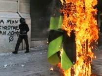 Greece Crippled By 48 Hour Strike