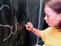 Erstkläßler lernen Schreiben, 2002