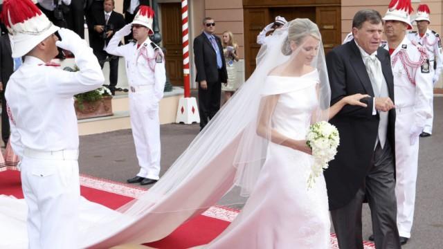 Stilkritik: Charlenes Hochzeitskleid - Kleid zum Weiteratmen ...