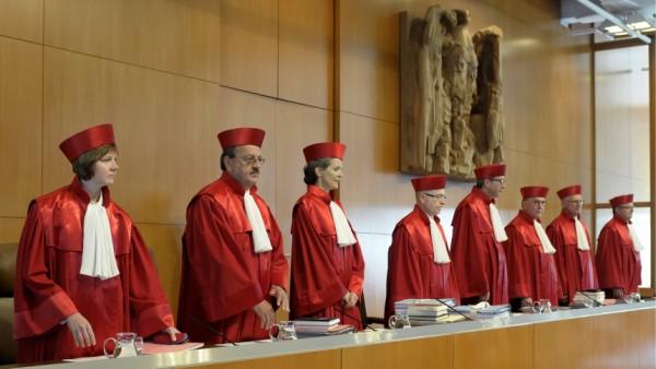 Klage gegen Griechenlandhilfen