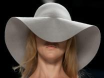 Fashion Week: Laurel